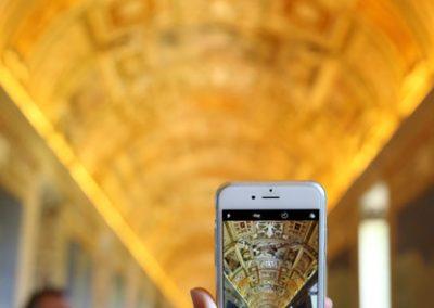 vaticano-smartphone