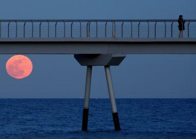 pont-petroli-salida-luna-sangre