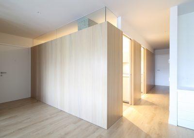 02-reforma-piso-barcelona-volumen-cocina-abierto